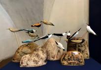Екатерина Сухарева - Птицы и камни, 2011 (шамот, дерево, цветные массы, надглазурная и подглазурная роспись)