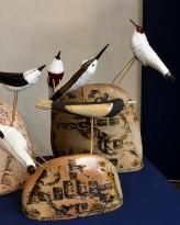 Екатерина Сухарева - Птицы и камни, 2011 (шамот, дерево, цветные массы, надглазурная и подглазурная роспись) фрагмент III