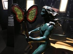 Сальвадор Дали - Мужская фигура с бабочкой, фрагмент, 1984 г.