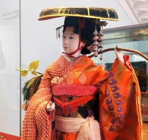 Фудзи-мусумэ (девушка-глициния), фрагмент